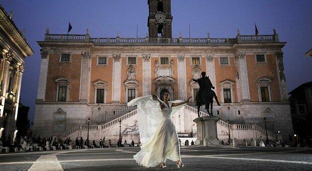 Lavinia Biagiotti sfila in Campidoglio e annuncia: «Restaureremo la fontana della Dea Roma»