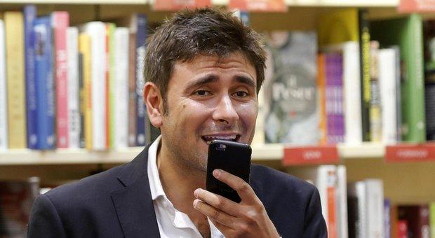 Di Battista: «Salvini come Renzi: ubriaco di potere»