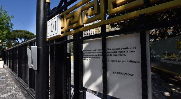 Hotel, solo il 40% ha riaperto dopo l'emergenza coronavirus, un quinto resterà chiuso anche in giugno