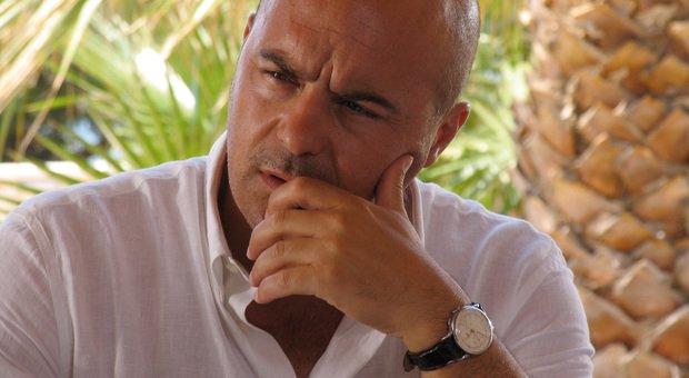 Luca Zingaretti, nella nuova serie su Sky diventa Il Re : «Interpretarlo sarà una sfida»