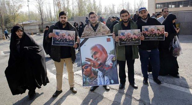 Soleimani, Di Maio: «Preoccupato per l'escalation». La Difesa alza la sicurezza della basi all'estero