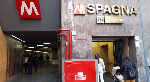 Roma, metro Spagna: dopo l\'apertura subito problemi alle ...