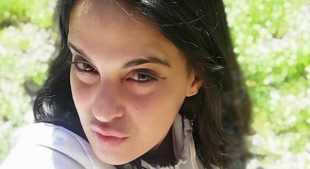 Femminicidio a Lecce, il racconto choc del nuovo fidanzato: «Sonia accoltellata 20 volte, lui voleva uccidere me»