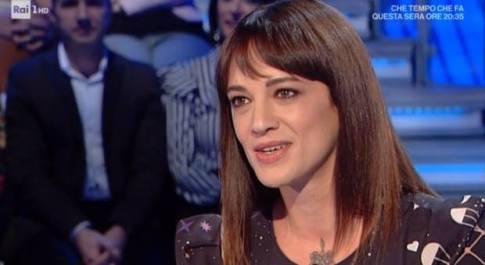 Asia Argento rivela: «Ieri volevo mollare Fabrizio Corona. Ma poi è stato dolce e mi ha lusingato...»