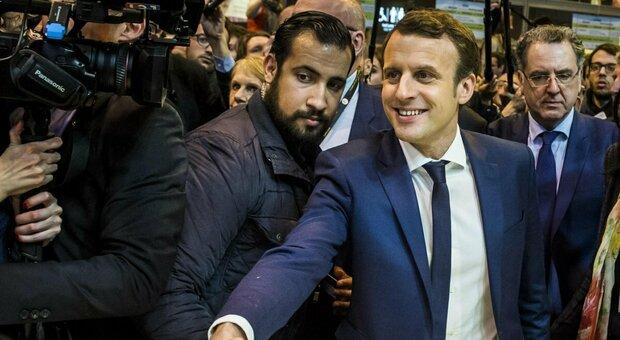 Macron, l'ex bodyguard Benalla in rianimazione per Covid: picchiò un manifestante il primo maggio
