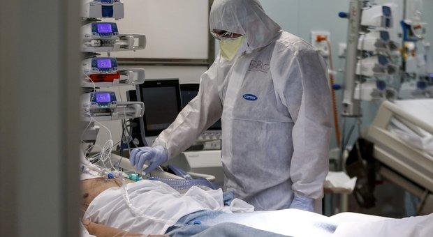 """Coronavirus, papà Michele esce dal coma: """"rinato"""" dopo la terapia intensiva"""