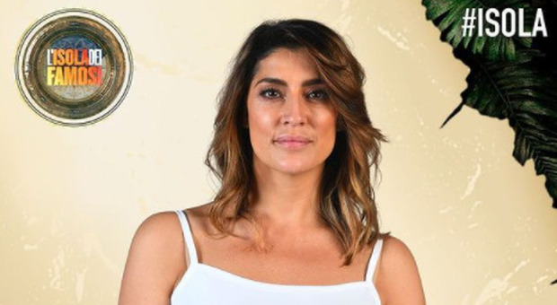 Isola dei famosi, Elisa Isoardi tra i naufraghi: «In Rai 18 anni bellissimi ma ho bisogno di cambiare aria»
