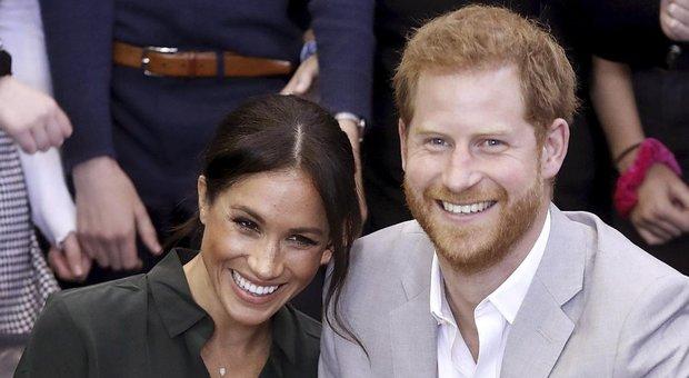 Meghan e Harry aspettano un bambino: l'annuncio durante il tour ufficiale