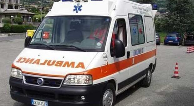 Roma, grave incidente sul lavoro: operaio cade da una piattaforma alta 10 metri: è in coma