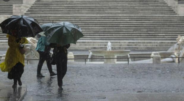 Meteo, ma quale primavera: da domani torna il maltempo. Pioggia e grandine su tutta Italia
