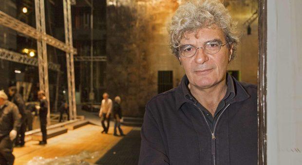 Mario Martone  durante le prove di The Bassarids (dalle Baccanti) da oggi online sul sito del Teatro dell'Opera