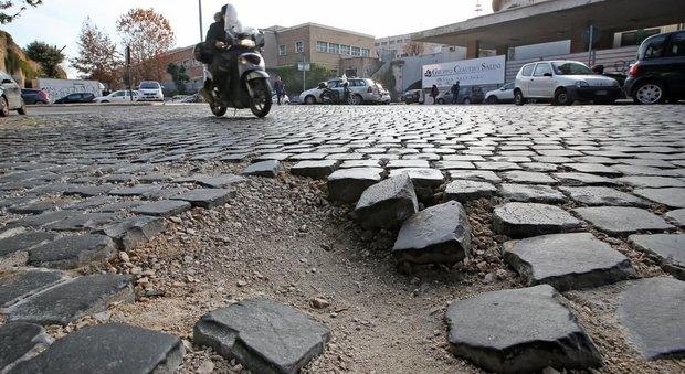 Roma, via al piano sampietrini: spariscono dalle strade trafficate, arrivano in 113 zone del centro