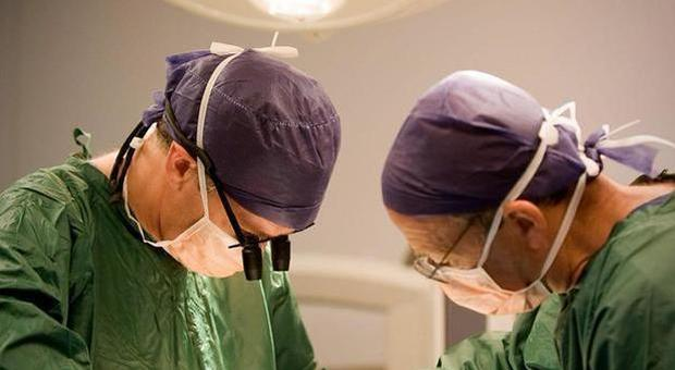 """Electronic cigarette, boy undergoing double lung transplant: """"Organ destroyed by vines"""""""
