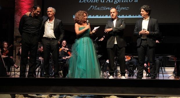 Cristiana Pegoraro con massimo Giletti e Massimo Lopez