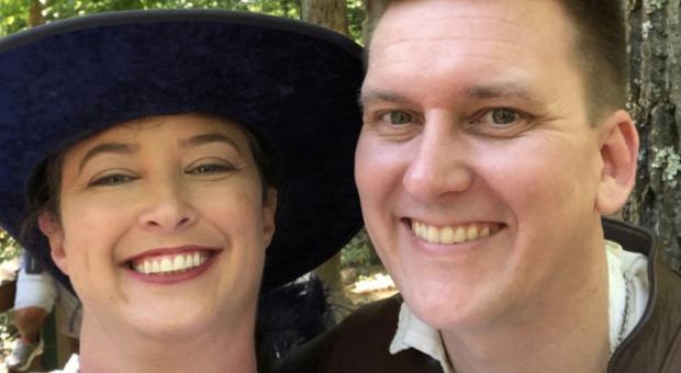 Vendeva segreti militari nel panino, l'ex ufficiale della Marina Usa finisce in manette con la moglie