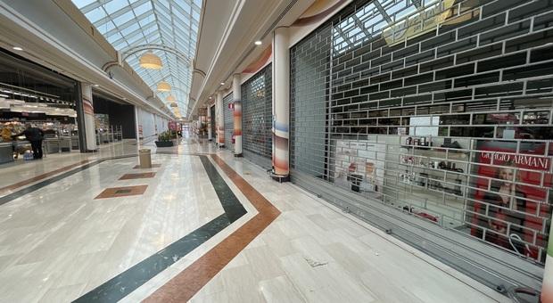 Centri commerciali, domani saracinesche abbassate contro le chiusure nei weekend