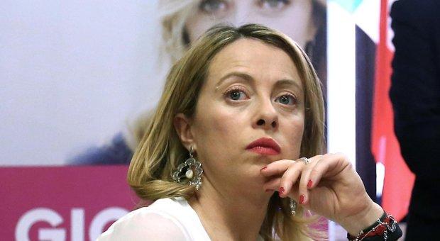 Meloni: «Candidata sindaco a Roma? Non a questo giro». Raggi attende il voto su Rousseau