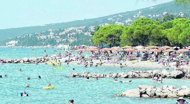 Turista italiana morta in Croazia, annegata a Ferragosto dopo un tuffo dalla barca