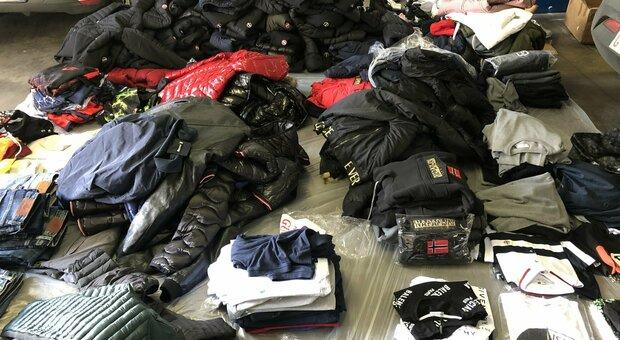 Roma, scoperta boutique del falso a Genzano: sequestrati 300 articoli contraffatti