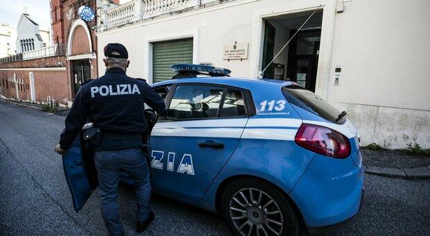 Roma, danneggiarono monopattini e auto della polizia: incastrati dalle telecamere