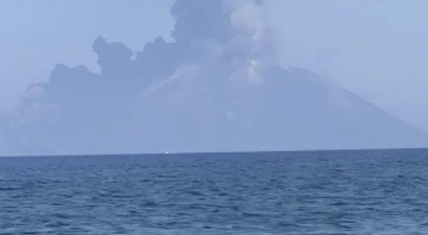 Stromboli, paura tsunami. L'Ingv: «C'è il rischio con un'eruzione maggiore»