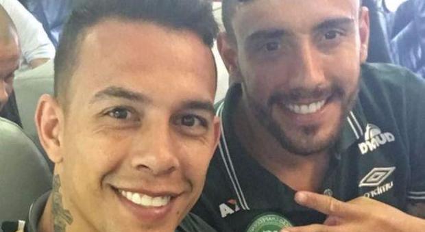 Alan Ruschel, il calciatore sopravvissuto: selfie e video prima dello schianto aereo