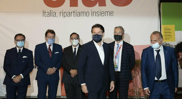Conte: «Nel Recovery Plan un progetto significativo per Roma: gravata da tanti oneri» thumbnail