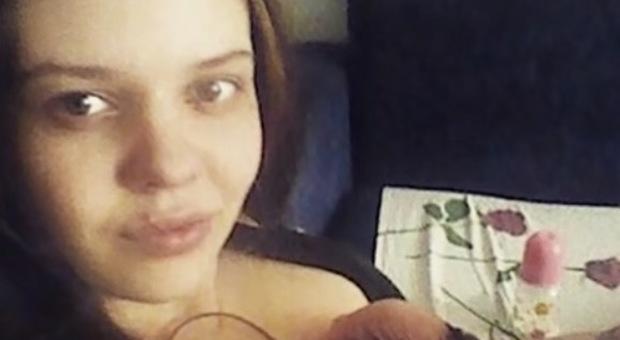 Russia, lascia la figlia di 3 anni da sola a casa per una settimana: la piccola muore di fame