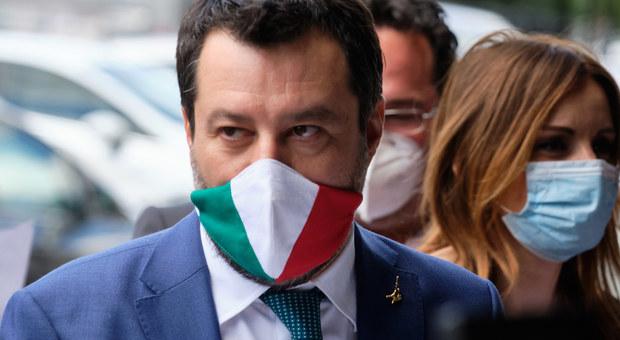 Turismo, Salvini: «In Europa non ci vogliono? Pazienza, l'Italia è Paese più bello del mondo»