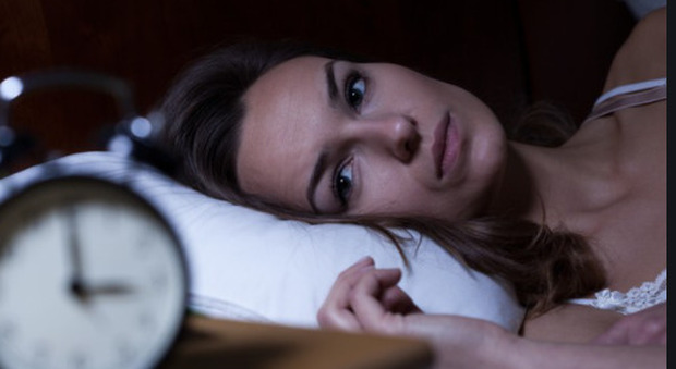 Le donne che si svegliano di notte hanno il doppio delle probabilità di morire giovani: lo rivela uno studio