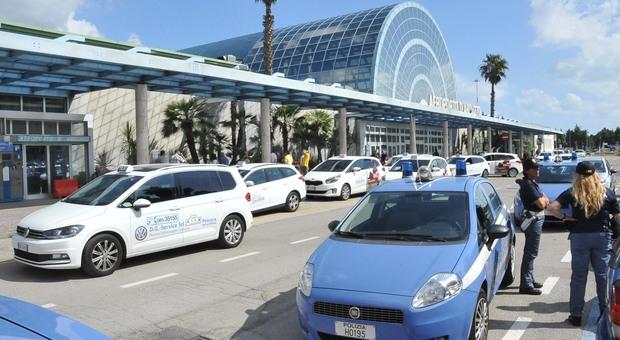 Pescara, otto positivi sul volo da Malta: tutti in quarantena, anche quelli con la Green Card