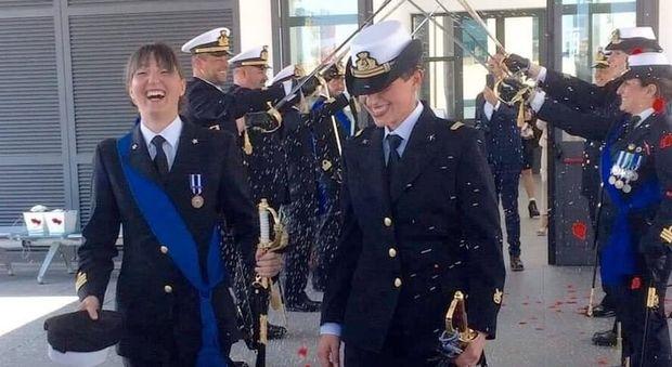 Marinaie spose, festa a La Spezia per Rosa Maria e Lorella: gli auguri del ministro Trenta