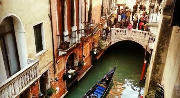 Gita a Venezia con intossicazione: 13 studenti ricoverati in ospedale