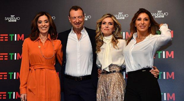 Sanremo 2020, record Amadeus. Seconda serata con Sabrina Salerno. Giallo su Roger Waters. Rai: nessuna censura