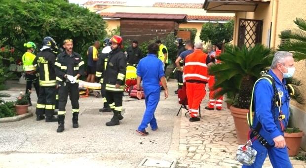 Roma, morto il 15enne che si diede fuoco nel cortile di casa «Forse è stato un incidente»