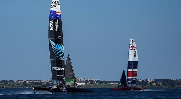 Taranto, seconda tappa del SailGP con catamarani volanti: da Jimmy Spithill a Checco Bruni, tanti i protagonisti di America's Cup