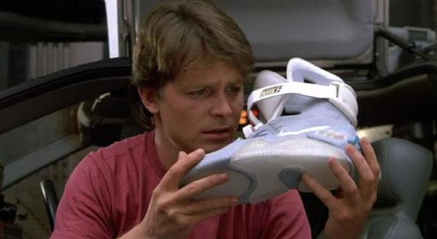 Le Nike indossate da Michael J. Fox in Ritorno al futuro vanno all asta e4202be9780b