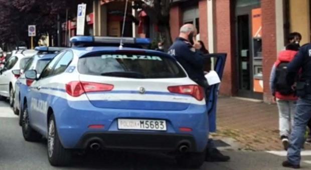 Roma, ubriaco perde l'equilibrio e precipita dal balcone di casa: grave un ragazzo di 22 anni
