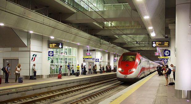 Bologna, stazione dell'Alta velocità evacuata per un guasto a un treno