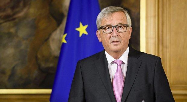 Juncker: la Ue va molto male. Ammiro l'Italia per ciò che fa per i migranti