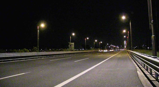 Roma, Anas: «Già metà del Grande raccordo anulare illuminata con i led»