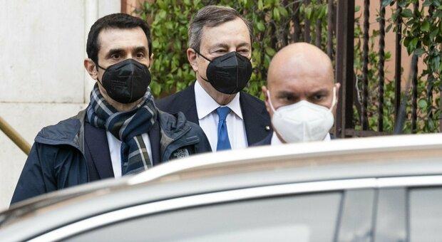 Draghi, al Colle per sciogliere la riserva, la squadra e il giuramento: le tappe del nuovo governo