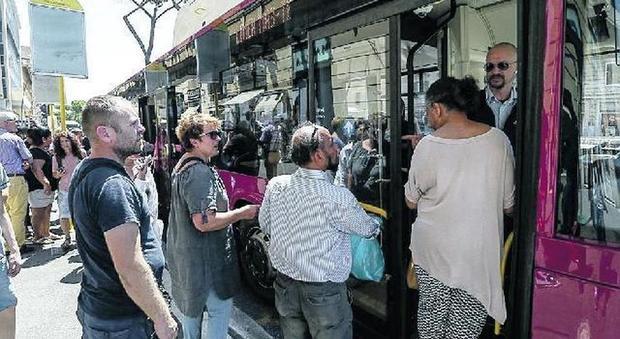 Metro A chiusa per lavori: l'odissea dei pendolari da Anagnina a Termini