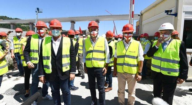 Ponte di Genova, i parenti delle 43 vittime: «Non parteciperemo all'inaugurazione»