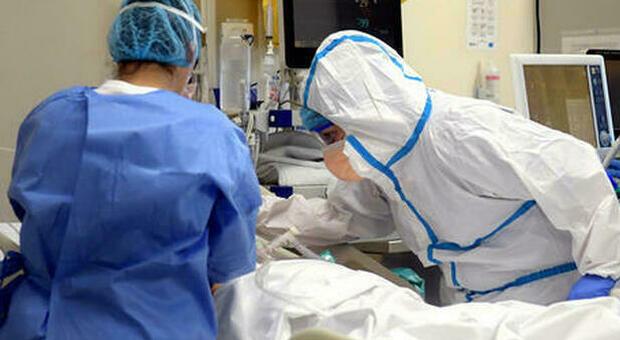 Coronavirus, dopo tre mesi di coma si sveglia e scopre che la sua famiglia è stata sterminata dal Covid