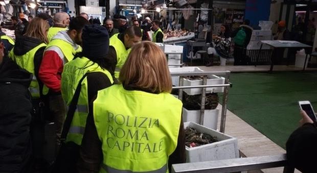 Roma, chiuso il mercato Esquilino: trovati escrementi di topi e blatte
