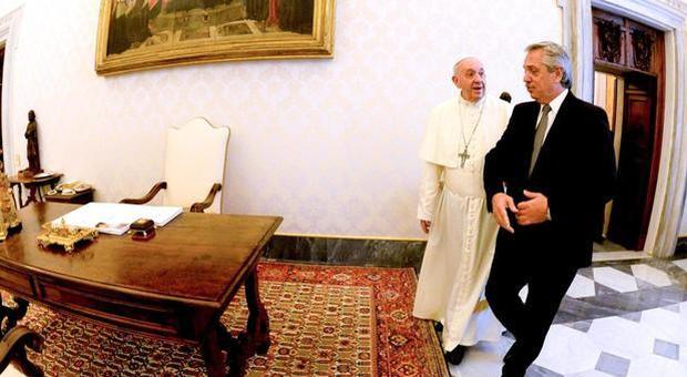 Papa Francesco preoccupato per il rischio default in Argentina, in Vaticano summit con FMI