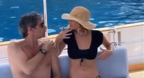 Alessia Marcuzzi e Stefano De Martino, lei posta su Instagram il video insieme al marito
