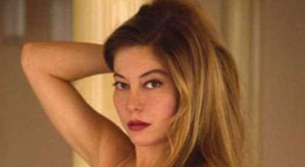 età doro di film porno ebano banche porno