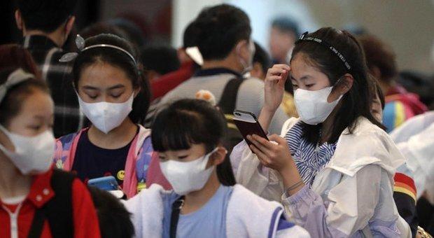 Virus, allarme Cina: Pechino chiude tutte le scuole. Il livello di allerta passa da tre a due